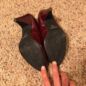 Shoes - Maroon patent pumps